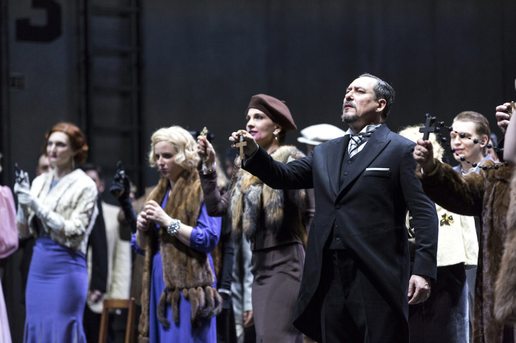 Genève photo extraite de a pièce des huguenots au Grand théâtre de geneve