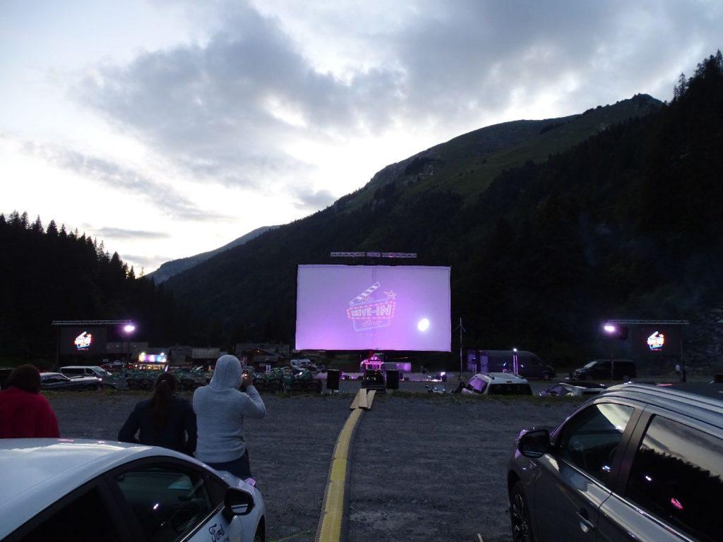 MediaShift était partenaire du cinéma Drive-in Show 2020 à Montriond en Haute-Savoie du 16 au 24 juillet. Nos vélos électriques publicitaires ont permis à l'événement d'afficher la carte du restaurant partenaire et d'assurer la livraison des repas directement aux véhicules.